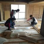 ビヨンド自然塾拠点施設の改修07 ~ボランティアさんと床作り~