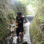 自然育児の一コマ ~夏休みの川遊び~